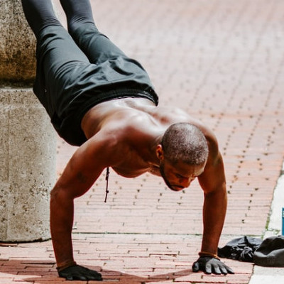 Decline pushup performance and guide
