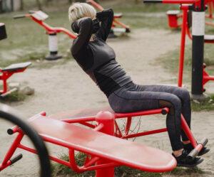 image of women doing decline bench crunch